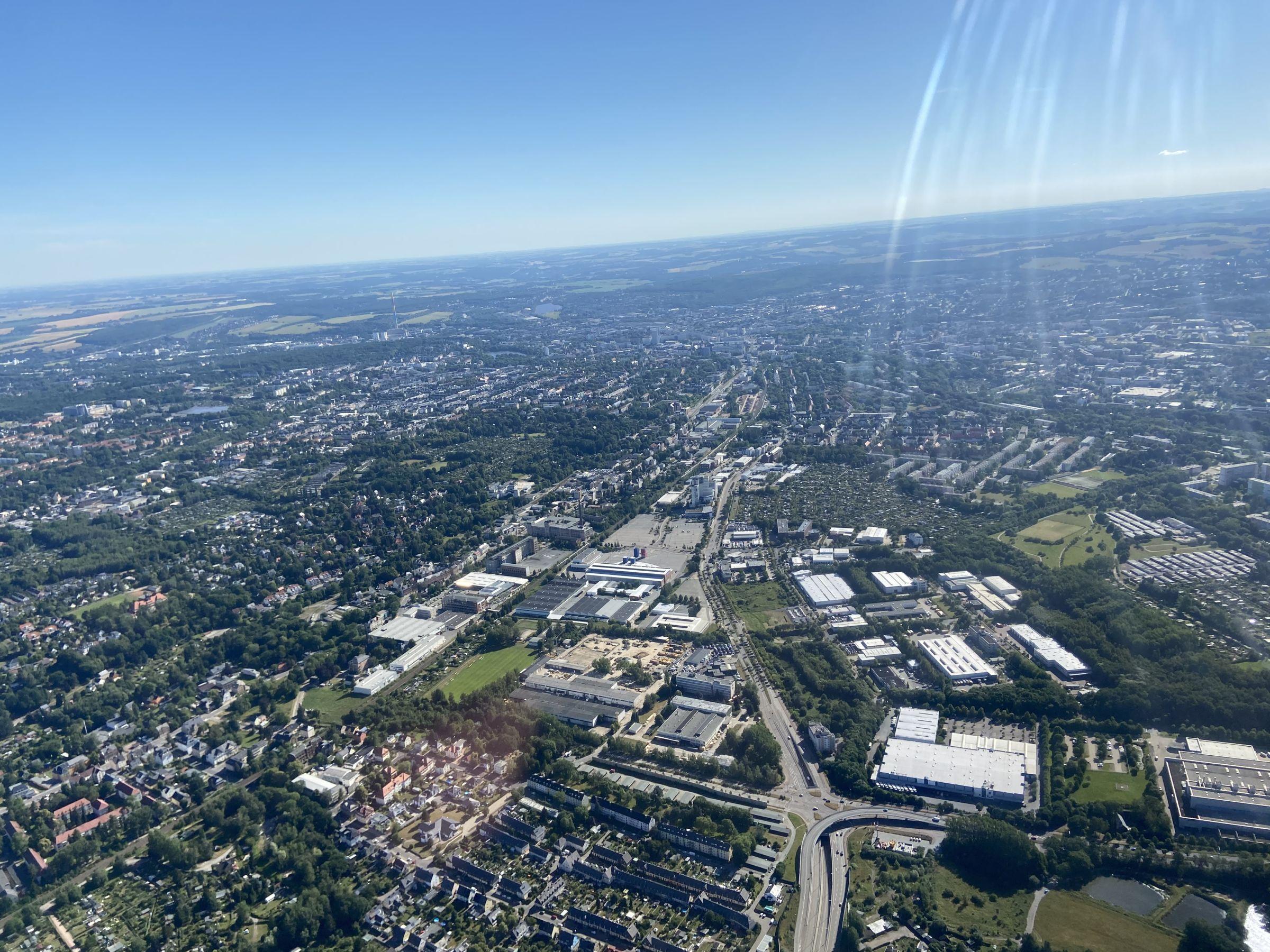 Chemnitz, Blick vom Überflieger Richtung Stadtmitte